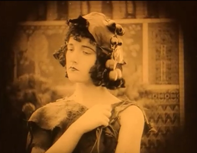 Constance-Talmadge-in-Intolerance-1916-director-DW-Griffith-cinematographer-Billy-Bitzer-8