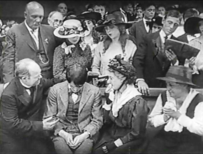 Robert-Harron-in-A-Romance-of-Happy-Valley-1919-director-DW-Griffith-cinematographer-Billy-Bitzer-02bb