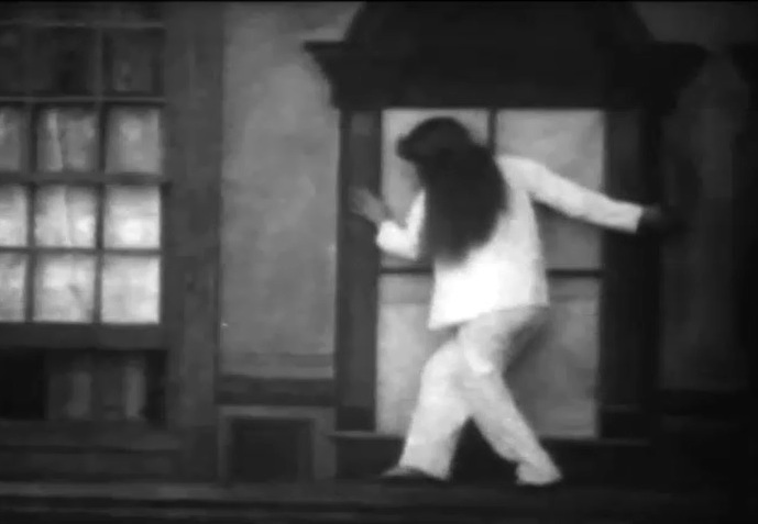 Florence-Lawrence-in-Betrayed-By-A-Handprint-1908-director-DW-Griffith-4