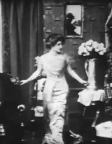 Florence-Lawrence-in-The-Joneses-Have-Amateur-Theatricals-1909-director-DW-Griffith-cinematographer-Billy-Bitzer-00