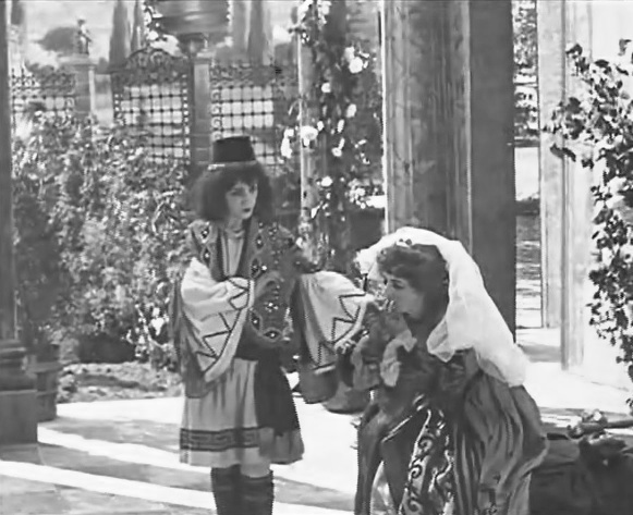 Florence-Turner-in-Twelfth-Night-1910-01