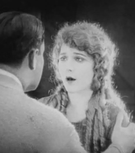 Mary-Pickford-and-Lloyd-Hughes-in-Tess-of-the-Storm-Country-director-John-S-Robertson-1922-00