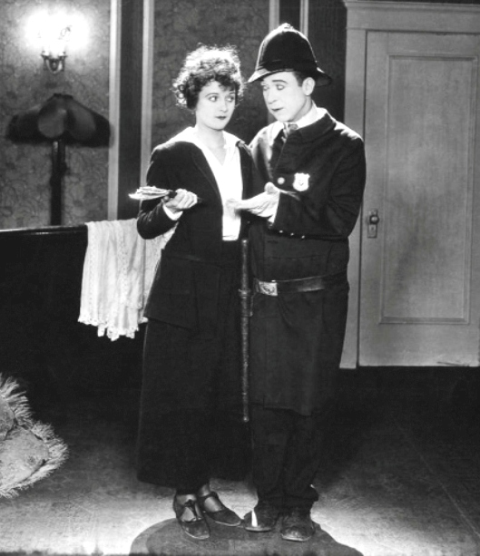 Harry-Langdon-and-Marceline-Day-in-Luck-o-the-Foolish-a-Mack-Sennett-comedy-1924-01
