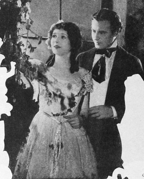 Marceline-Day-and-Robert-Frazer-in-The-Splendid-Road-1925-director-Frank-Lloyd