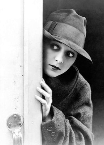 Marceline-Day-in-Detectives-1928-8