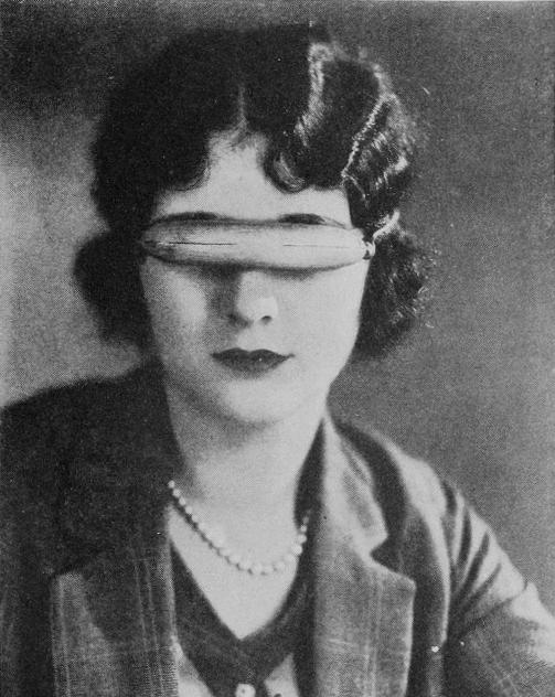 Marceline-Day-with-Eskimos-glasses-for-The-Barrier-1926
