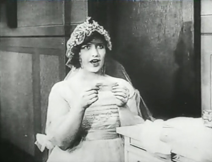 Martha-Mansfield-in-Max-wants-a-divorce-1917-9