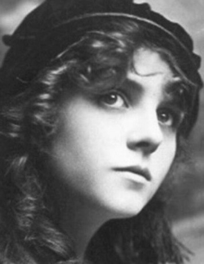 Olive-Thomas-looking-young