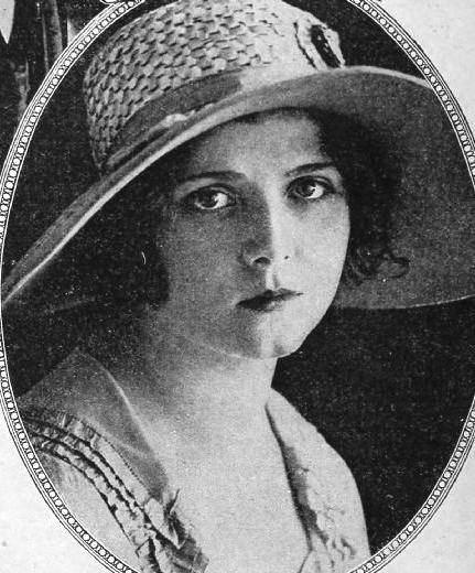 Olive-Thomas-with-a-nice-hat-1