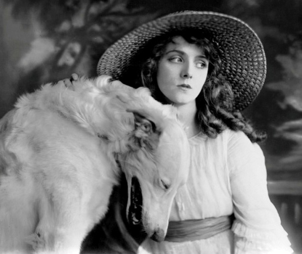 Olive-Thomas-with-white-dog