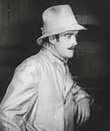 Robert-Harron-in-A-Romance-of-Happy-Valley-1919-director-DW-Griffith-cinematographer-Billy-Bitzer-00