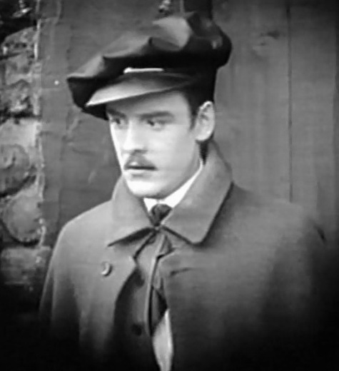 Robert-Harron-in-Hearts-of-the-World-1918-director-DW-Griffith-cinematographer-Billy-Bitzer-001