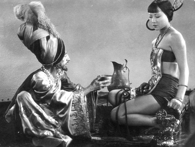 Snitz-Edwards-and-Anna-May-Wong-in-The-Thief-of-Bagdad-1924