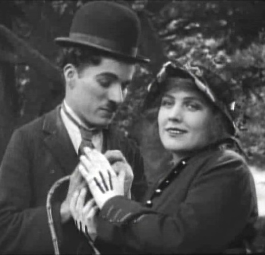 Edna-Purviance-and-Charlie-Chaplin-in-A-Jitney-Elopement-1915-00