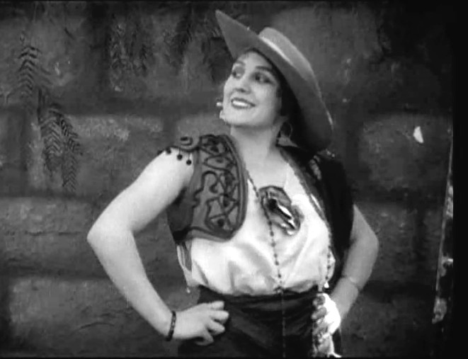 Edna-Purviance-in-Burlesque-on-Carmen-1915-10