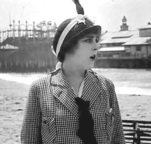 Edna Purviance in By the Sea 1915 001