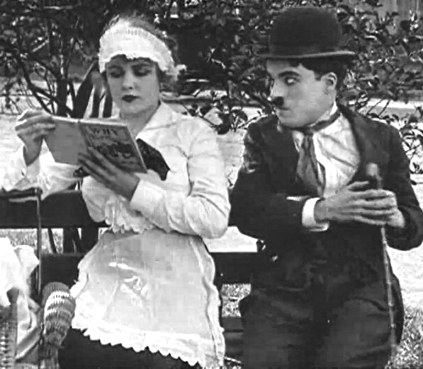 In-the-Park-1915-with-Edna-Purviance-and-Charlie-Chaplin-00