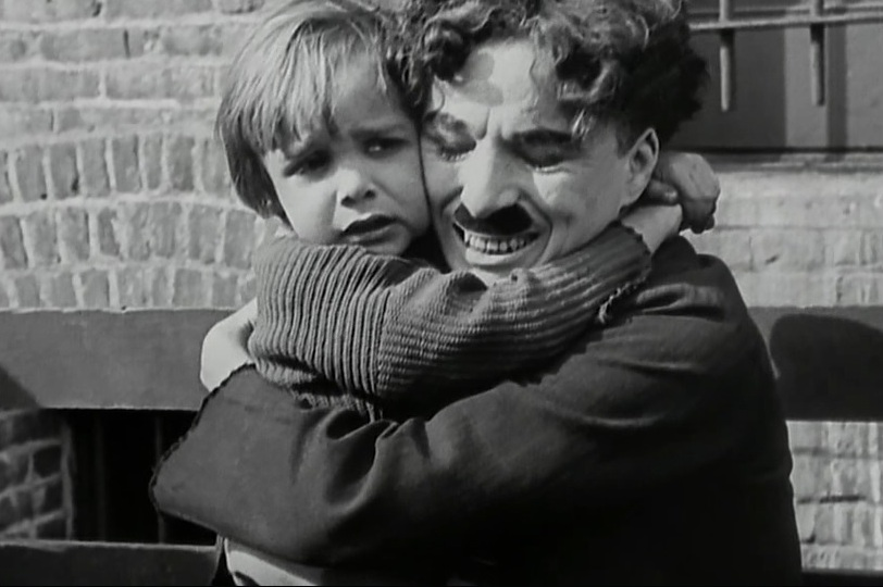 Jackie-Coogan-and-Charlie-Chaplin-in-The-Kid-1921-41