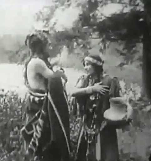 Florence-Lawrence-and-Owen-Moore-in-The-Mended-Lute-1909-director-DW-Griffith-cinematographer-Billy-Bitzer-00