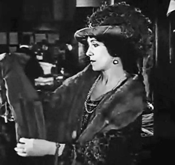 Florence Turner in All Dolled Up 1928 00