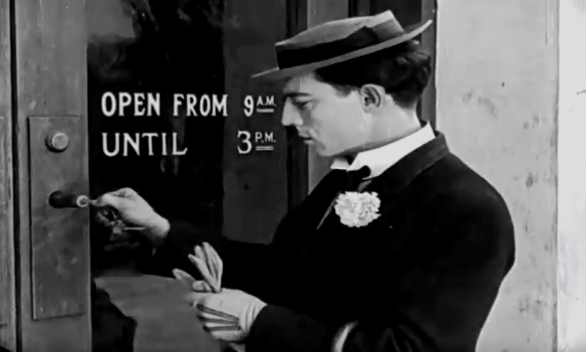 Buster Keaton in The Haunted House 1921 02