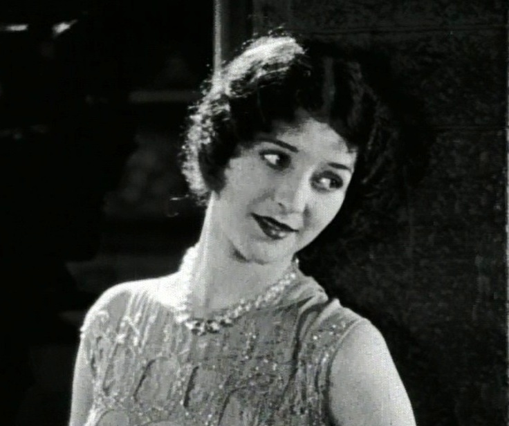Marceline Day in That Model from Paris 1926 001