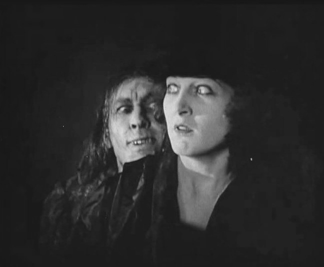 Martha-Mansfield-and-John-Barrymore-in-Dr-Jekyll-and-Mr-Hyde-director-John-S-Robertson-1920-52