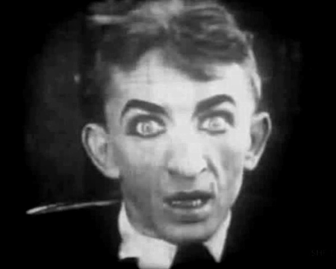 Larry Semon in Slips and Slackers 1917