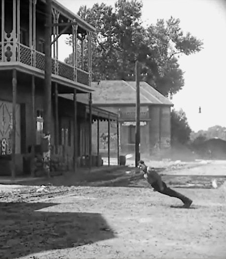 Buster-Keaton-in-Steamboat-Bill-Jr-1928-00