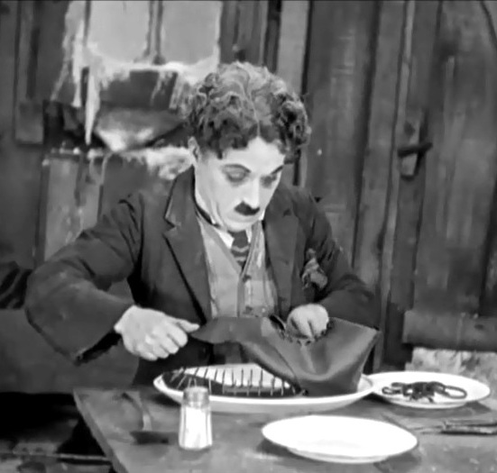 Charlie-Chaplin-in-The-Gold-Rush-1925-01