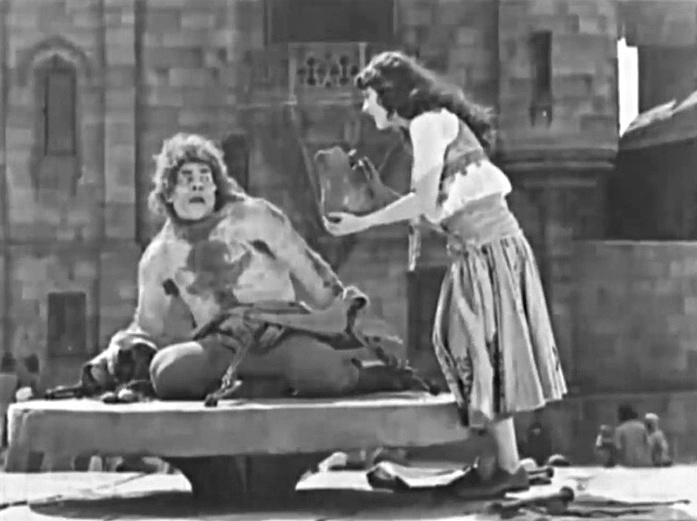 Lon Chaney and Patsy Ruth Miller in The Hunchback of Notre Dame 1923 22