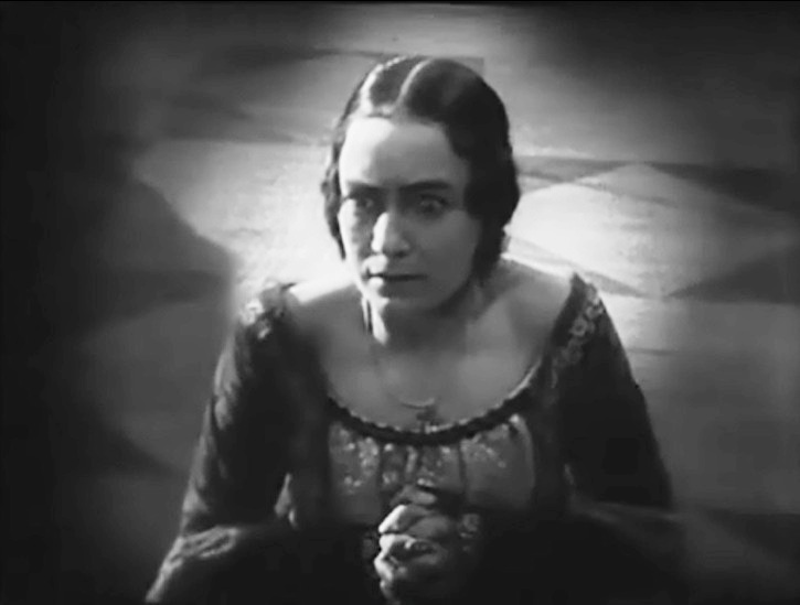 Jenny Hasselqvist in Loves Crucible 1922 01