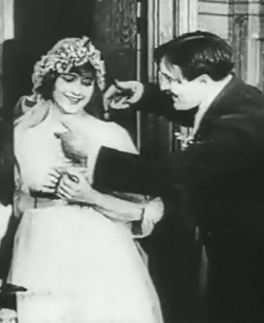 Martha-Mansfield-and-Max-Linder-in-Max-wants-a-divorce-1917-00