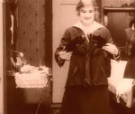 Edna-Purviance-in-A-Woman-1915-5.jpg