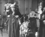 Edna-Purviance-in-Behind-the-Screen-1916-8.jpg