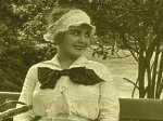 In-the-Park-1915-with-Edna-Purviance-and-Charlie-Chaplin-2.jpg