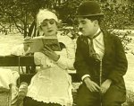 In-the-Park-1915-with-Edna-Purviance-and-Charlie-Chaplin-3.jpg