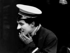 Charlie-Chaplin-in-The-Bank-1915-007.jpg