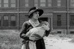 Edna-Purviance-in-The-Kid-1921-01.jpg