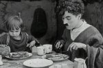 Jackie-Coogan-and-Charlie-Chaplin-in-The-Kid-1921-29.jpg