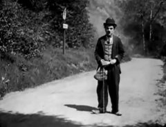Charlie-Chaplin-in-The-Tramp-1915-3.jpg