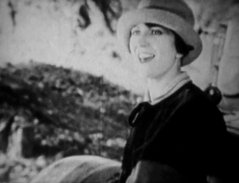 Helen-Holmes-in-The-Lost-Express-1926-05.jpg