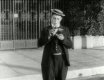 Buster-Keaton-in-Cops-1922-5.jpg