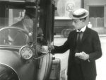 Buster-Keaton-in-Cops-1922-7.jpg