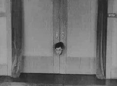 Buster-Keaton-in-The-Electric-House-1922-09.jpg