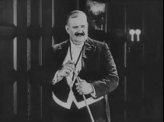Joe-Roberts-in-The-Electric-House-1922-001.jpg