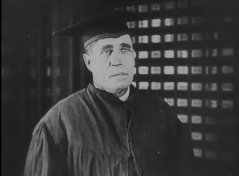 Steve-Murphy-in-The-Electric-House-1922-02.jpg