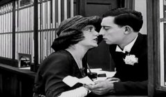 Buster-Keaton-in-The-Haunted-House-1921-06.jpg