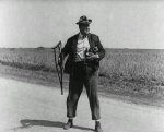 Joe-Roberts-in-The-Scarecrow-1920-19.jpg