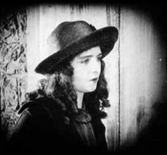 Olive-Thomas-in-Out-Yonder-1919-109b.jpg